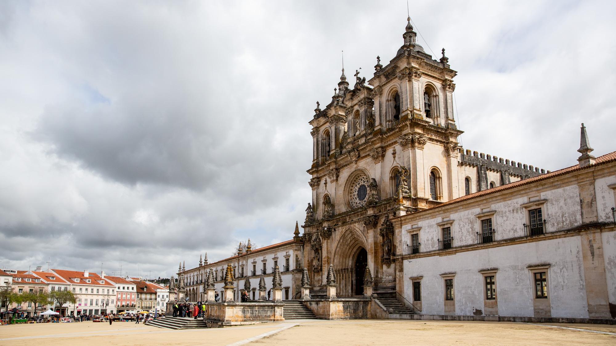 Alcobaça (35 km)
